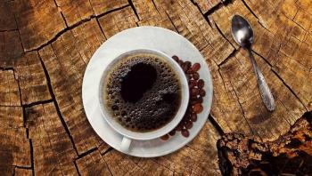 هل يجب شرب القهوة أثناء اتباع الصيام المتقطع؟
