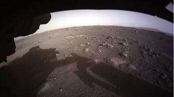 «برسيفرنس» يلتقط صورة بانورامية في المريخ