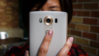 كيف تحمي كاميرا هاتفك من التجسس؟