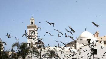 7 دول عربية تمنع إقامة صلاة العيد في المساجد