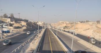 الاشغال تعلن عن تحويلات مرورية على طريق الزرقاء عمان الأربعاء