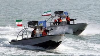 السعودية تتصدى لثلاثة قوارب إيرانية
