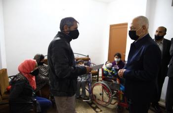 العيسوي يسلّم مساكن لأسر عفيفة بالعاصمة ويفتتح مركز تنمية المرأة