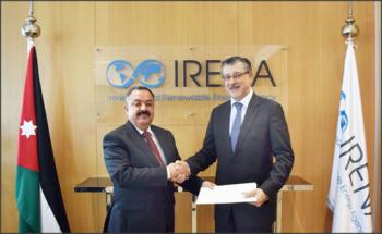 سفير الأردن بالإمارات يقدم أوراق اعتماده مندوباً دائماً لدى آيرينا
