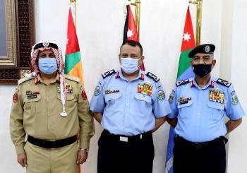 مدير الأمن العام يكرم الحراسيس والسحيم
