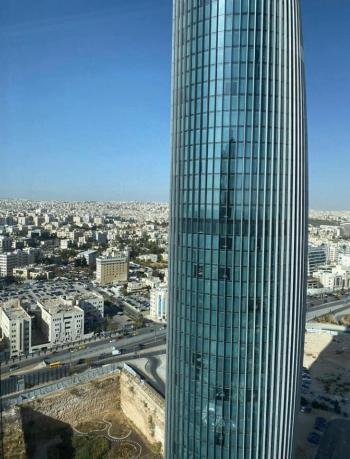 شقة في أبراج W للبيع بنحو نصف مليون دينار