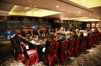 الاعمال العراقي يقيم حفل توديع للسفيرة ويلز