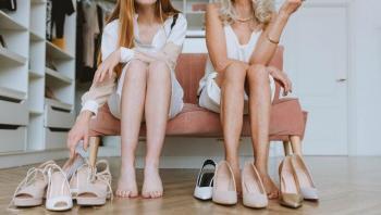 نوعان من الأحذية الصيفية يجب على الجميع امتلاكها