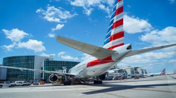 الولايات المتحدة توسع إرشادات عدم السفر لتشمل 80% من الدول