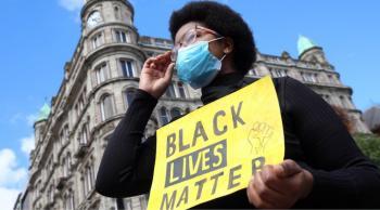 """ترامب يتهم مسؤول في حركة """"حياة السود مهمة"""" بالدعوة إلى التمرد"""