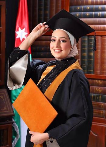 خالد السواعير يهنئ المهندس فراس قطيش الفاعوري بتخرج الدكتورة عرين