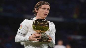مودريتش يرشح بنزيمة لجائزة أفضل لاعب في العالم