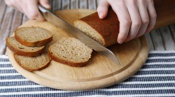 أضرار الإفراط في تناول الخبز