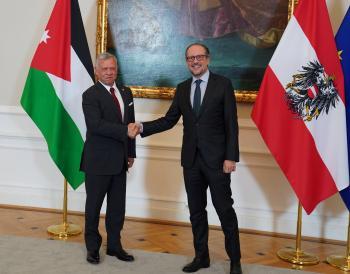 الملك يؤكد دعم الأردن لجهود الحفاظ على سيادة سوريا