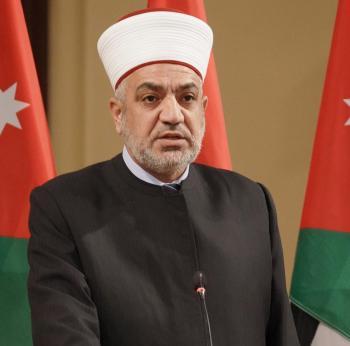 وزير الاوقاف يسأل عن عودة صلاة الجمعة