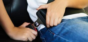 الأمن يؤكد ضرورة استخدام حزام الأمان