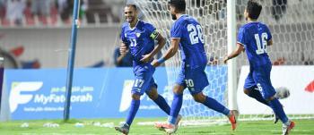 نجم عربي على بعد أربع مباريات من لقب عميد لاعبي العالم