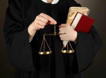 مطلوب محامين للعمل لدى مكتب محاماة