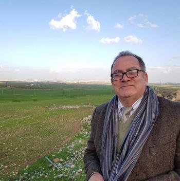 الدكتور علي ابو غنيمة مبارك التجديد