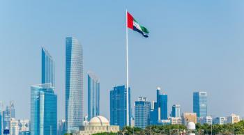 الإمارات تلزم القادمين اليها بفحص كورونا
