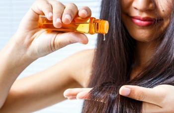 السيروم أم الزيت لترطيب الشعر؟