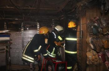 اخماد حريق محل ألبسة في عمان