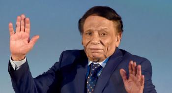 فنان مصري يهنئ عادل إمام بعيد ميلاده ويطلب مسامحته