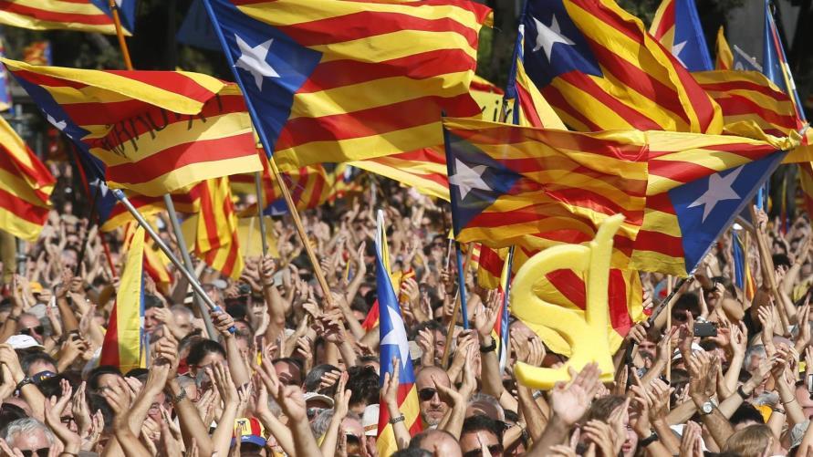 مدريد تستعد للسيطرة على مؤسسات كاتالونيا
