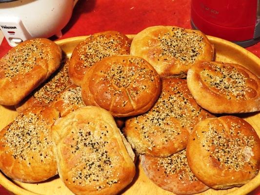 الخبز المسمسم الأكثر طلباً في رمضان