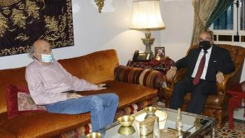 جنبلاط يستقبل السفير الحديد في كليمنصو