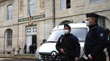 مقتل شرطية في هجوم على مشارف باريس ..  والمنفذ تونسي