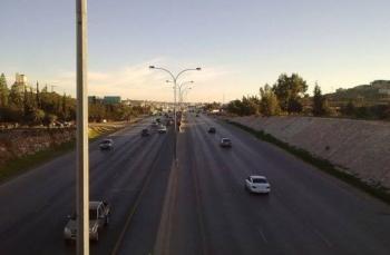 عشر سنوات لسائق اعتدى على طفلة ورماها على طريق المطار