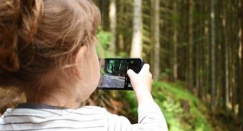 5 أطعمة طبيعية لتقوية بصر ورؤية أطفالك