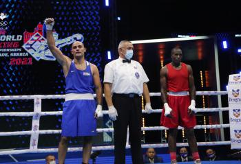 الهنداوي يفوز على اللاعب الكيني في بطولة العالم بالملاكمة