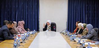 ملتقى البرلمانيات يطالب بتعديل تشريعات تمس المرأة