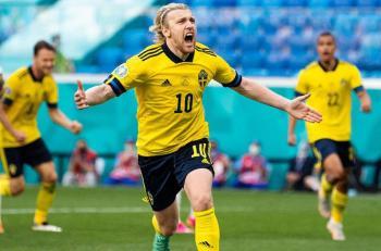 السويد تفوز على سلوفاكيا وتتصدر المجموعة الخامسة في يورو 2020
