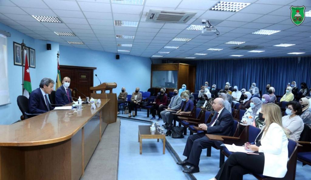 ندوات نقاشية بمشاركة عدد من السفراء بكلية اللغات الأجنبية في الجامعة الأردنية