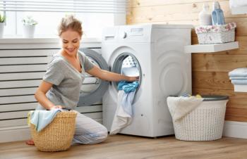 6 طرق لجعل عملية غسيل ملابسك صديقة للبيئة