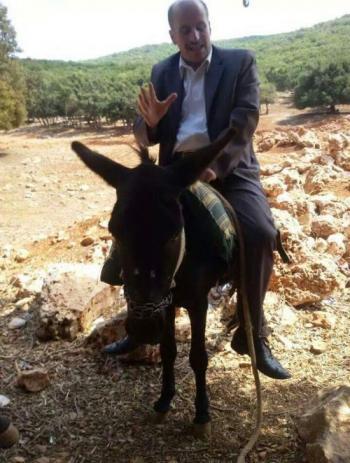الدكتور ثابت المومني : لهذه الاسباب ..  احترم حماري !!!