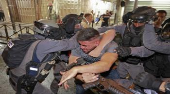 إصابات خلال مواجهات مع الاحتلال في الشيخ جراح وباب العامود