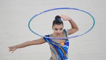 الروسية أفيرينا تحرز ذهبية مسابقة الطوق في بطولة العالم للجمباز