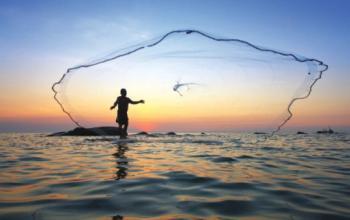 شكاوى من تقليص مواقع صيد الاسماك في العقبة