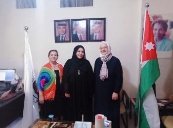 اجتماع لتعزيز العلاقات بين الاتحاد النسائي والبرلمانيات العربيات