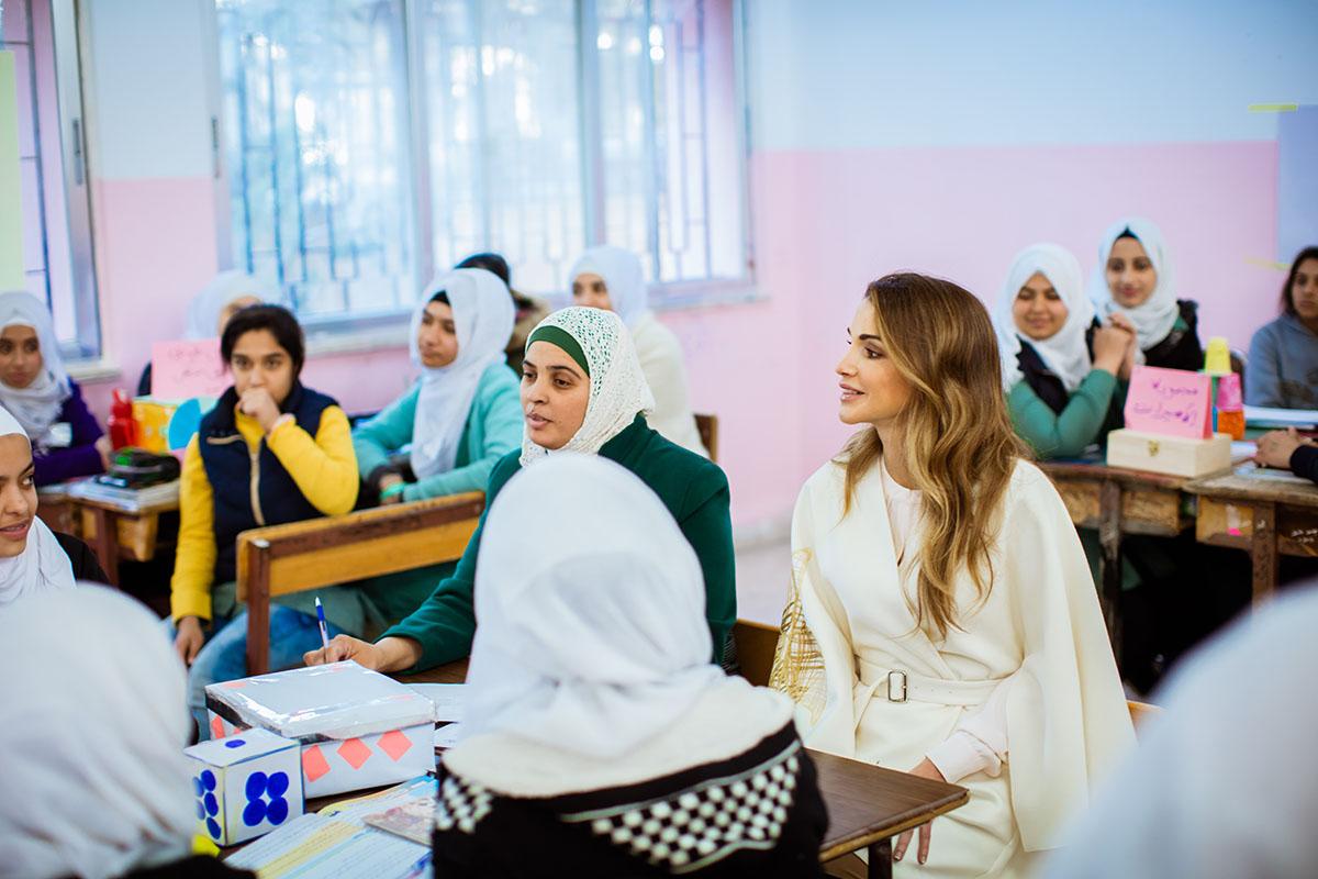 الملكة: العمل على انشاء كلية لتدريب المعلمين