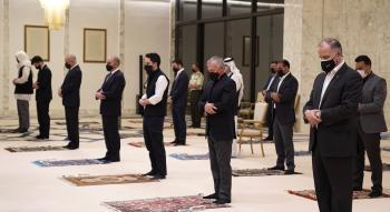 الملك وولي العهد يحييان ليلة القدر في مسجد الهاشمية بعمان