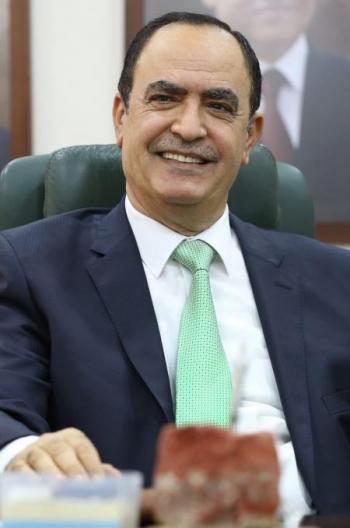 محمود أبو الرز وخريجو جامعة الكويت ومتقاعدو أرامكو يهنئون العين الصرايرة
