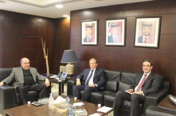 بحث معيقات النقل بين الأردن وسوريا