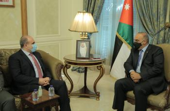 الخصاونة يستقبل الوفد الوزاري السوري ويؤكد أهمية التعاون بين البلدين
