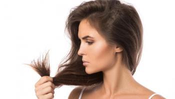 ثمان عادات تتبعينها يومياً تتسبب في جعل شعرك ضعيفاً ومتكسراً