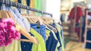 مطالب بحزم تحفيزية لقطاع الألبسة والأحذية